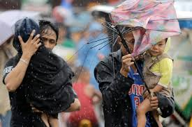 People evacuating from typhoon Glenda.